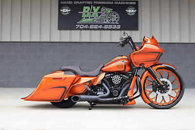 """2019 Harley-Davidson Touring  2019 ROAD GLIDE BAGGER *1 OF A KIND* CANDY 26"""" WHEEL!! STUNNING PAINT! WOW!!"""