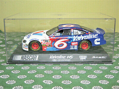voiture de circuit SCALEXTRIC  FORD