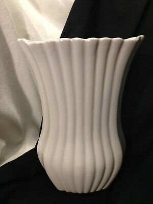 Bauer Pottery Vase Ribbed Ruffled Flared 9 Inches Tall/Cream/Large/Mid-Century