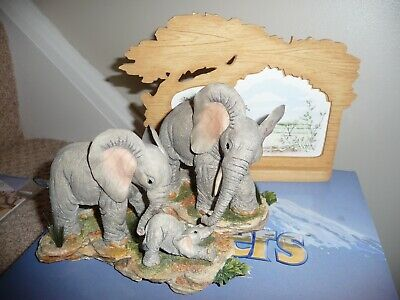 Tuskers - Early Morning Call 91237 Country Artists Elephant Boxed Hand Crafted