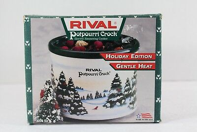 Rival Potpourri Crock Holiday Edition Christmas Pine Trees 3206-802 with Box NEW