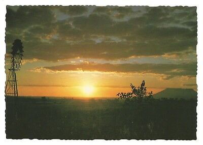 QLD - c1970s POSTCARD - SUNSET OVER THE DARLING DOWNS, TOOWOOMBA, QUEENSLAND