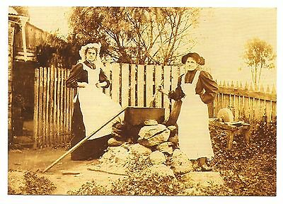 NSW - c1970s POSTCARD - REPRODUCTION 1900s WASHING DAY, CENTRAL TILBA, NSW