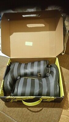 UK 2 left Joules Junior Boys Wellies Scout and About Reduced to £14.95