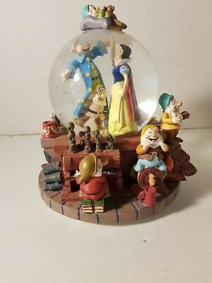 "Disney Snow White and The Seven Dwarfs ""I whistle a happy tune"" Water Globe"