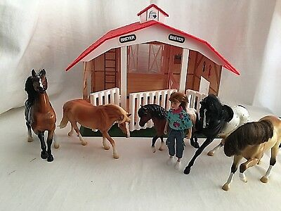 Breyer 5 Horses Classics Barn Stable 1 Breyer Doll Cowgirl Reeves