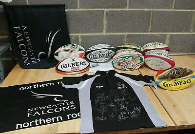 Collection Newcastle FALCONS HAND SIGNED Merchandise Shirt, Balls - 224