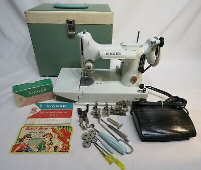 Vintage Singer Featherweight 221K Sewing Machine w/Original Book Box Case
