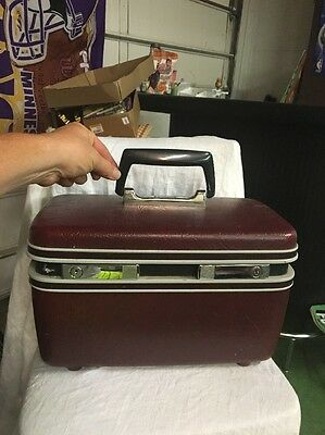 Vintage BURGUNDY SAMSONITE Sentry Train Cosmetic Carry On Luggage suitcase