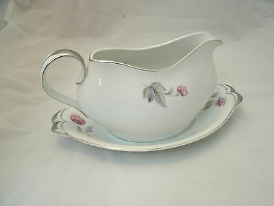 Vintage Meito Norleans PRINCESS Gravy Boat with Underplate Made in Japan HTF ec