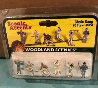 Woodland Scenics CHAIN GANG 1//87 HO Inmates Figures Scenery Scenic Accents A1858