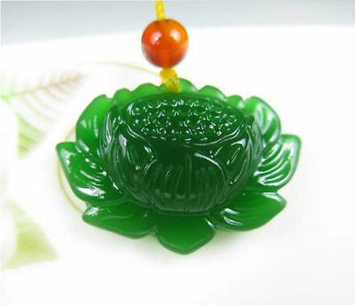 Fine Natural Green Jade Lotus Pendant Chinese Hand-Carved Fashion Lucky Amulet