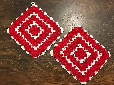 Vintage Pair Red & White Hand Crocheted Ruffled Pot Holders Hot Pads Unused