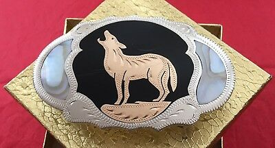 VTG Handcrafted **HOWLING COYOTE** Western American Johnson & Held BELT BUCKLE