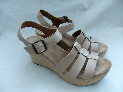 6ed27f6acacb New Clarks Caslynn Harp Womens Nude Leather Wedge Sandals Size 7.5   41.5