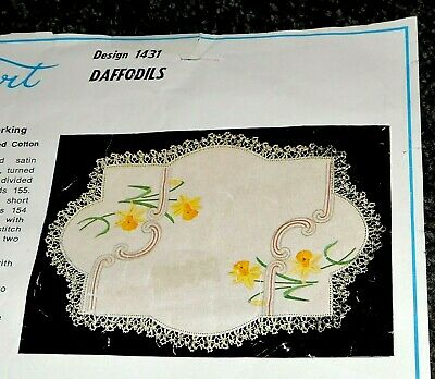 Old Big Oblong Doily Daffodils ArtDeco Crewel Embroider Traced Stamped Crocheted