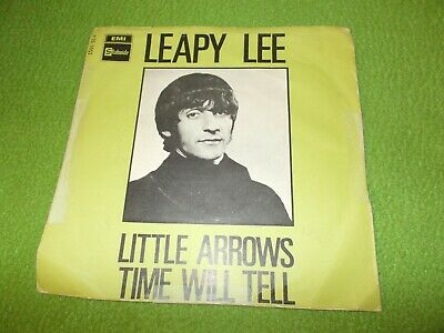 """LEAPY LEE Little Arrows/ Time Will Tell 45 RPM 7"""" Picture Sleeve 1968 VG++"""
