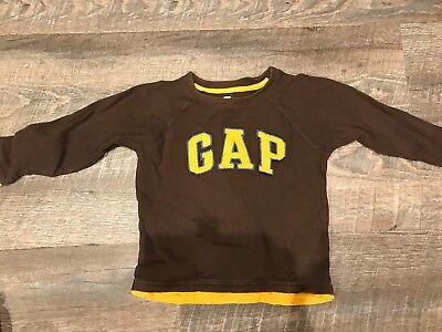 Baby Gap Brown Long Sleeve Shirt with Yellow/Blue Letters in Boys 4T