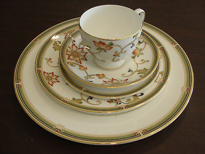 Wedgwood Oberon 1 Set Place Settings