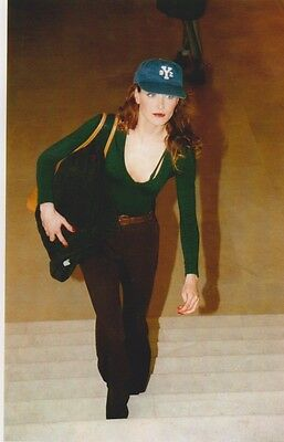Carla BRUNI  - DEFILE CHANEL PRINTEMPS ETE 1995 Photo Presse Originale