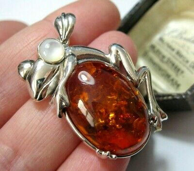 Large Solid 925 Sterling Silver Vintage Style Baltic Amber Frog Necklace Pendant