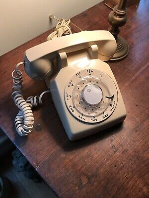 Vintage Bell System Western Electric  Ivory Rotary Dial Desk Telephone 1962