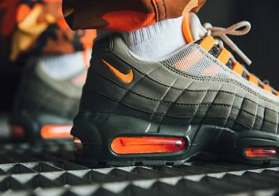 best sneakers 274a2 9107c Nike Air Max 95 Og Unisex Turnschuhe Olive Orange UK 5,5 Eu 38.5