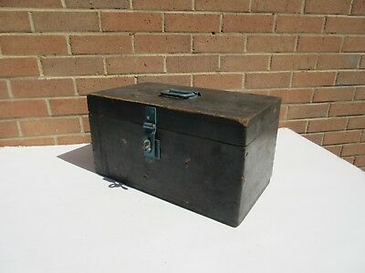Vintage wooden artisan made tool box storage box & lift out tray