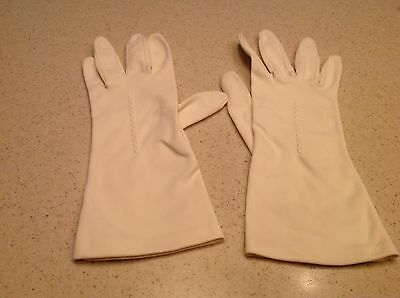 Vintage Ladies Gloves Ivory Raised Accent on Back of Hand No Stains Some Pilling