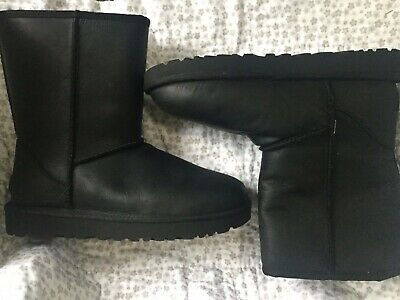 9ef35d561d3 UGG CLASSIC SHORT Leather Black 1016559 Water Resistant Boots Size 6 ...