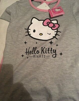 Girls Hello Kitty pyjamas/ Night Wear/ Sleepwear - 8 Years