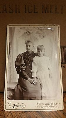 1890's Cabinet Card Photograph - Mother and Daughter Holding Hands-151-J36