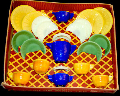 Akro Agate Stacked Disc and Interior Panel Large Multi-Colored Child's Set Boxed