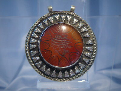 Middle Eastern Silver And Carved Cornelian Pendant (Pp146)