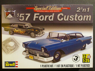 REVELL  1957 Ford Custom 2 DR Sedan  2'n 1  Special Edition  1:25  Sealed