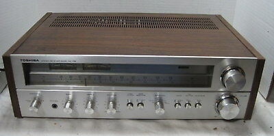 Toshiba Model SA-725 AM-FM Stereo Receiver