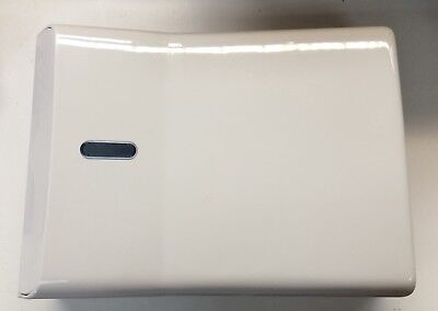PAPER TOWEL DISPENSER x 3 C-FOLD LOCKABLE WALL MOUNTED WHITE HARDLY USED