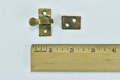 Antique SOLID BRASS CUPBOARD DOOR INSIDE LATCH & PLATE HARDWARE OLD #07019