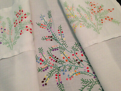 Vintage Hand Embroidered White Linen Half Pinny Apron ~ Pretty Flowers