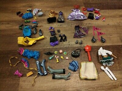 6 Monster High Outfits and Accessories Plus More