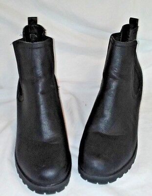 d1a1cd58b4e5 BOOHOO BLACK MATTE Chunky Cleated Heel pull on Boot Women s US 7 -  25.00