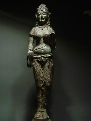 ANTIQUE BRONZE KHMER CELESTIAL HINDU GODDESS, PALA INFLUENCE. 19/20th C.