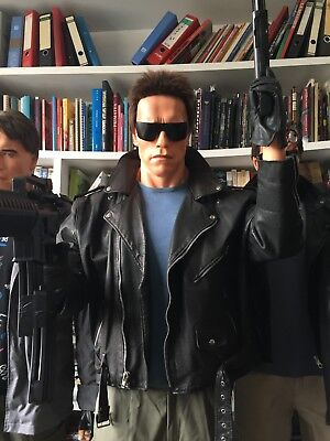 TERMINATOR 1 police station attack life size statue Arnold Schwarzenegger