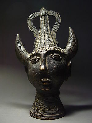 ANTIQUE TIBETAN TRIBAL FEMALE 'SHAMAN' w TRIDENT-SHAPED HEADDRESS 19th C. BRONZE
