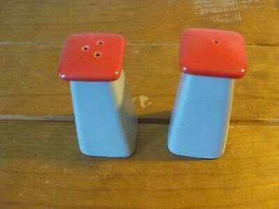 Retro Pair Of Fire Hydrant Cover SALT AND PEPPER Shakers - Rare (VG Condition)