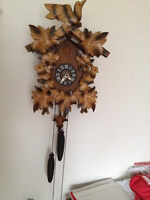 Vintage German Black Forest Wood Carved Birds CUCKOO CLOCK w/Pine Cone Weights