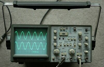Hitachi V-1060 100MHz Two Channel Oscilloscope, Two Probes, Power Cord