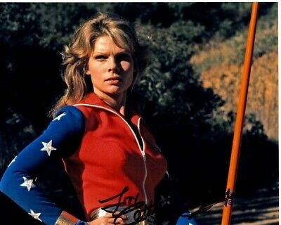 CATHY LEE CROSBY Signed WONDER WOMAN DIANA PRINCE Photo w/ Hologram COA CONTENT