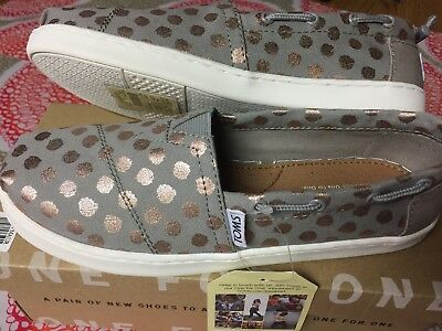 e58828aaaa0c TOMS BIMINI YOUTH 4 Drizzle Grey Rose Gold Foil Polka Dot -  25.99 ...