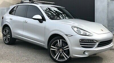 2012 Porsche Cayenne Sport Package Factory Sport Design Package, GTS Look Very rare, Exceptional Condition.